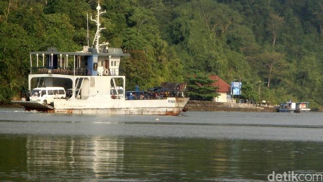 kapal pengangkut ambulance